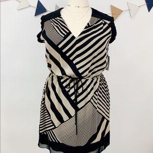 Dresses & Skirts - Chic Geometric Striped V-Neck Fit & Flare Dress
